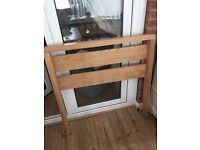 Exc cond Single wood bed frame