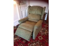 Lift & Recline Ambassador Large Cosi Chair
