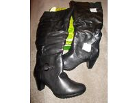 Brand new boxed Nature's Own black boots size 8