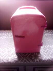 Classic 4 Litre Pink Mini Travel Fridge