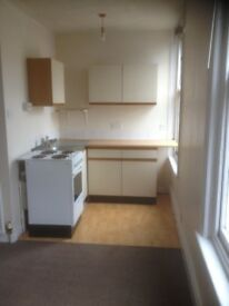 Large self contained Studio available. *** No deposit required **