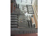 Set of 8 steak knives and forks