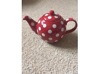 Tea pot, Red with white spots