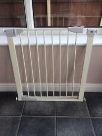 2 Baby Gates For Sale In Sheffield South Yorkshire Gumtree