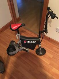 Electric razor scooter *requires battery*