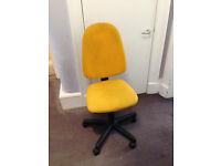 Adjustable desk chair
