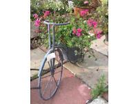Grey bike with flowers