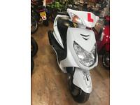 Yamaha cygnus 125cc scooter moped not piaggio vespa