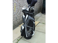 MENS RIGHT HAND GOLF CLUBS WITH CART BAG
