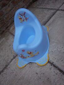 Blue Winnie the Pooh High Back Potty IP1