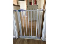 Safety gate (narrow fitting)