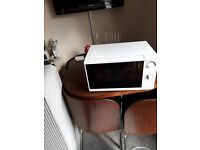 WHITE VERY COMPACT MICROWAVE