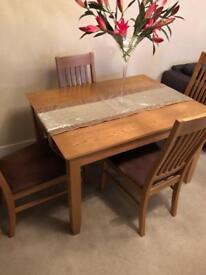 John Lewis light oak 4-6 seat extendible dining table