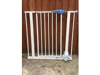 Child's safety gate lindam good condition