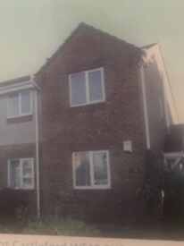 To let. 2 bed ground floor flat. Townville Castleford. Unfurnished. 2 parking spaces, garden.
