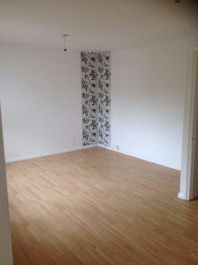 G/F 2 BED FLAT TO RENT IN ROMFORD!! INCLUDES A GARDEN AND COMES EITHER FURNISHED OR UNFURNISHED!
