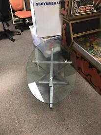 CHIC GLASS TABLE