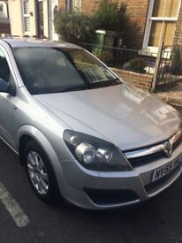 Automatic Silver Vauxhall Astra