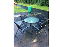 Table and 4 chairs garden set
