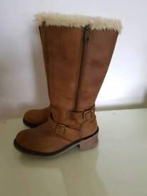Size 6 caterpillar boots