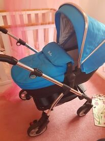 Silvercross Wayfarer, Sky Blue Pram and Car Seat