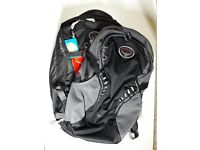 Osprey Farpoint 40 M/L and Daylite backpacks in black