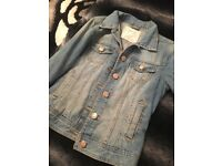 Large selection of trendy ladies clothes 8-10
