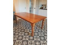 Stunning Wooden Dinning Table (Fits 6 Chairs)