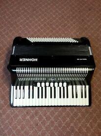 Hohner Bravo 111 120 Bass piano accordion