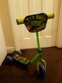 Boys Turtles 3 wheel scooter used