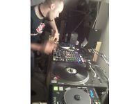 DJ SETUP - Denon DNS-5000 Scratch CDJ's & Denon DNX-1500 Mixer with Road Ready Flight Cases
