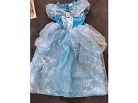 Girls Cinderella dress in age 6-7 years