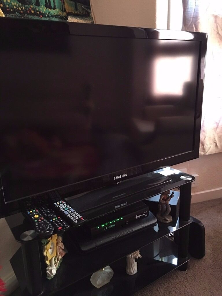 Tv Samsung And Tv Table Tv Holder In Leicester Leicestershire