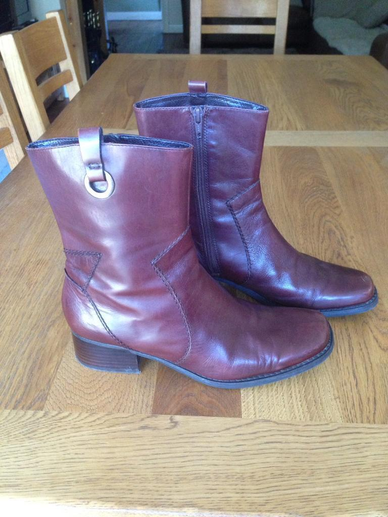 Brown leather boots - Nine West size 6/7