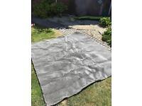 Piece of good quality silver / grey carpet approx 176 x 187cm