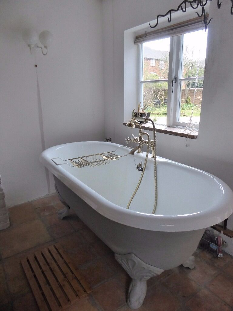 Cast Iron Roll Top Bath
