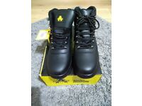 Mens work boots size 8