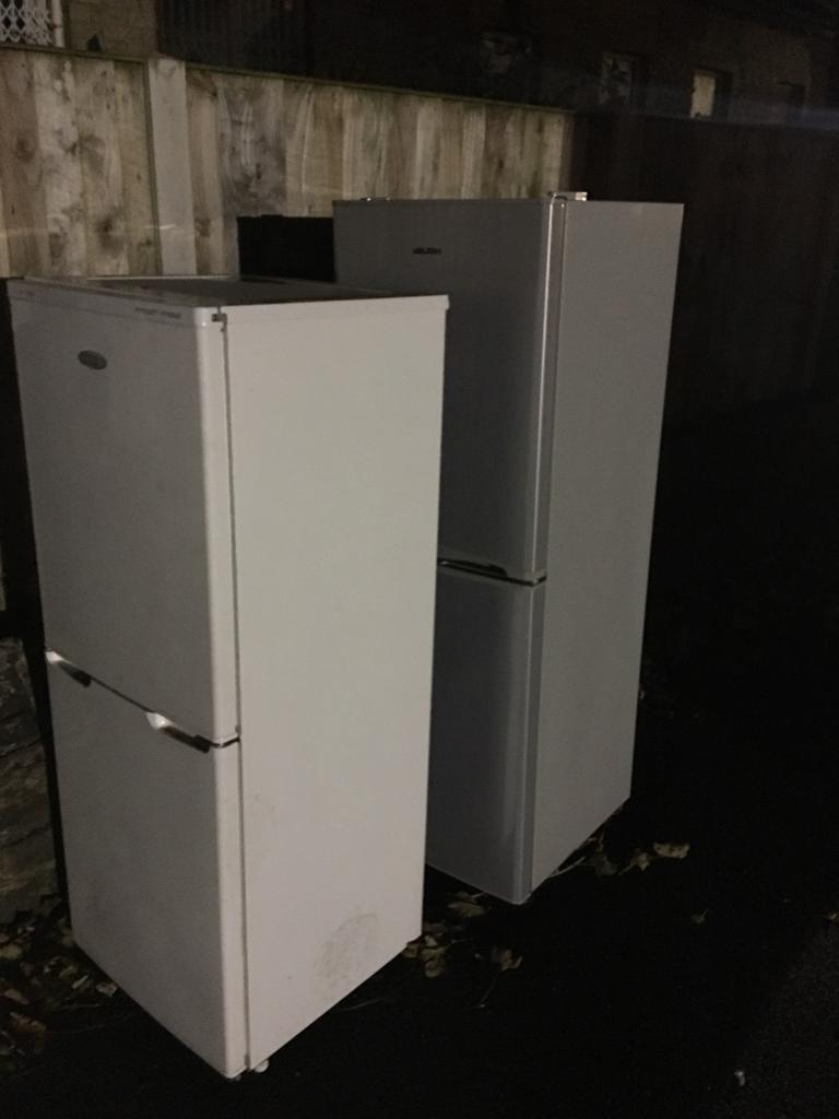 Fridge freezers for spares and repairs.