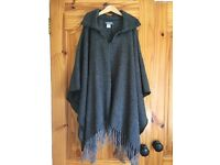 One Size Fits All Women's Collared Poncho