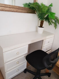 Desk and a chair for sale £20
