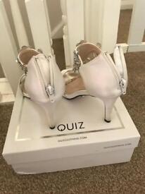Quiz bridal shoes size 5