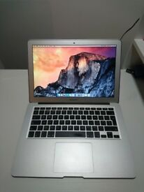 "Apple Macbook Air 13.3"" - Intel Core i5 1.6 GHz 4GB. 256GB"