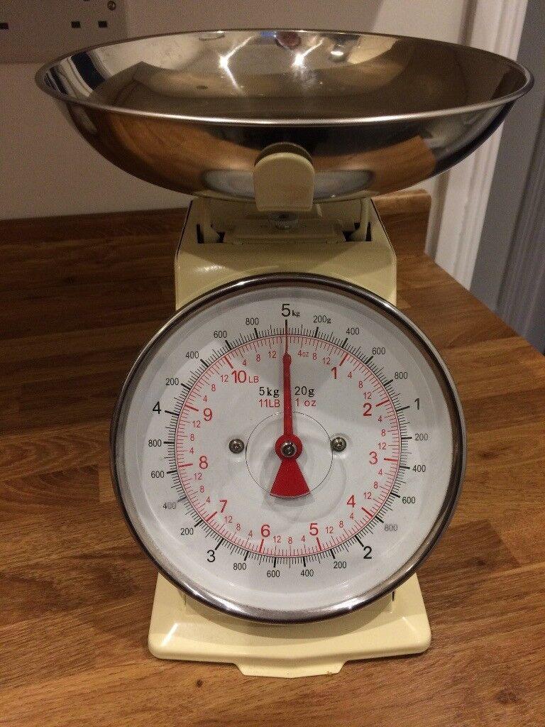 M S Retro Kitchen Scales