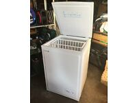 COMPACT CHEST FREEZER! AS NEW!! Ideal for small space in utility room, garage, basement! BARGAIN!!