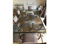 Fantastic glass dining table and 6 luxurious chairs