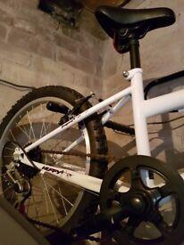 For sale girls huffy temptest bike