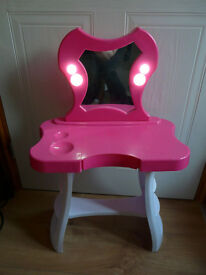 TODDLER LIGHT UP DRESSING TABLE - well used