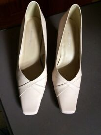 Marks and Spencer's wider fit shoes size 5 1/2 with free matching handbag