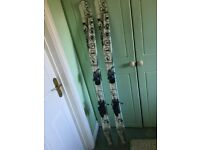 Rosignol scrath twin tip skis with Rosignol bindings