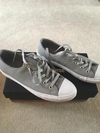 Converse size 5 grey